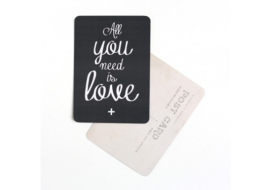 Carte postale All you need is love/Mona - ardoise