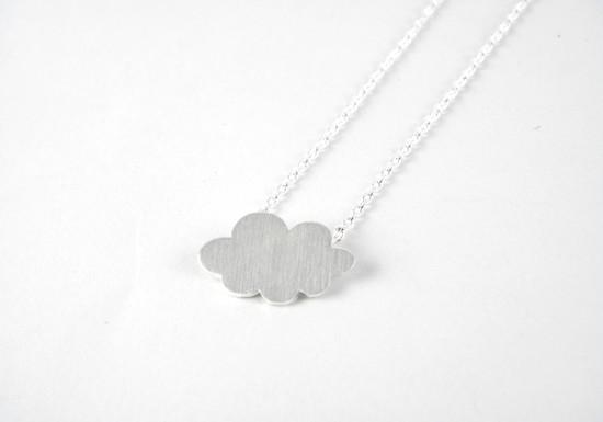 Collier nuage argenté