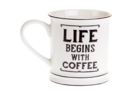 """Mug """"Life begins with coffee"""""""