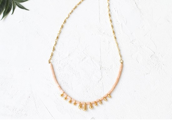 Collier Monsoon rose
