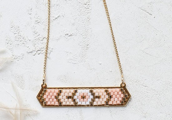 Collier Indie rose