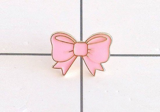 Pin's ruban rose