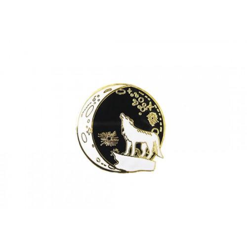 Pin's Moon wolf