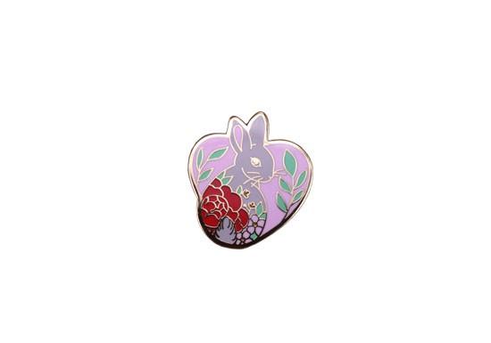 Pin's Love rabbit
