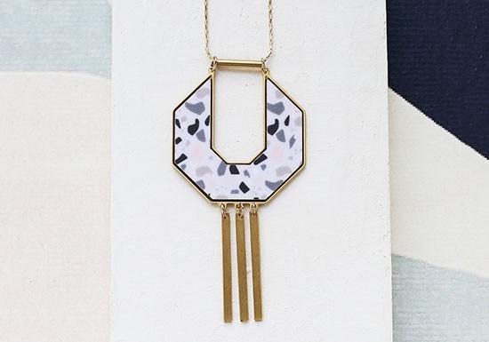 Collier Symmetry (coloris au choix)