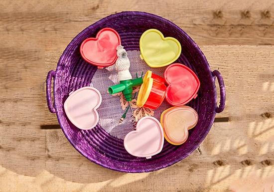 Lot de 12 boîtes plastiques cœur