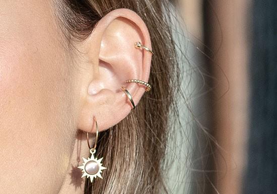 Boucles d'oreilles Sol Hoop (coloris au choix)